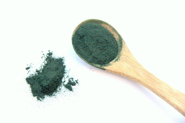 If you are more keen on crunched spirulina, you can have it from us too. All the same superior nutrient values defines our Spirulina Crunches as Powder. Crunches are easily eaten by the hand, sprinkled on salads and soups, infused into raw chocolates, tossed into your favorite recipes or stirred into green juices, you name it! And all those taste just delicious!